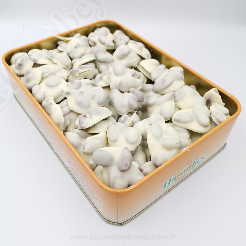 Beyaz Çikolatalı Kayısı Çekirdeği 700 GR